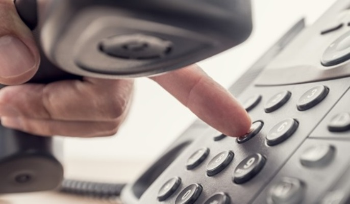 Empresa de telefonia é condenada a indenizar consumidor em R$ 8 mil